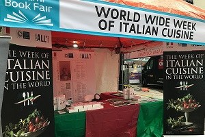 Miami Book Fair, stand Italia