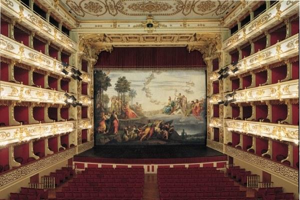 Teatro_Regio_Parma_ph_Luca_Fregoso.jpg